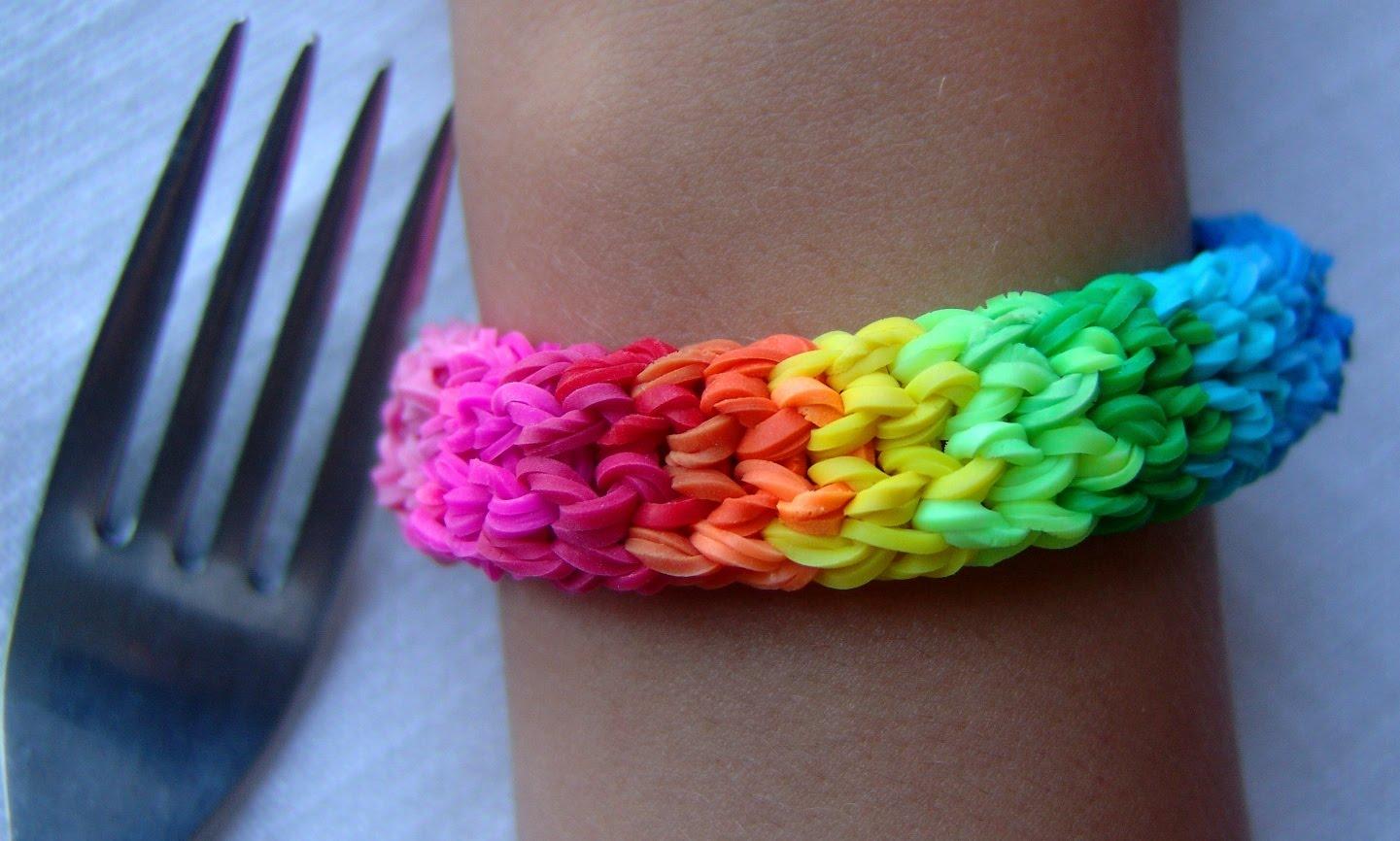Красивые браслеты из резинок своими руками без станка